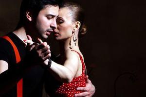 Dueto Tango απόψε στο Γυάλινο Μουσικό Θέατρο