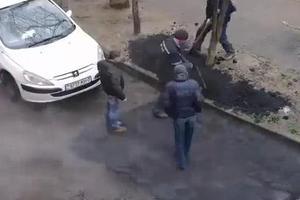 Έτσι στρώνουν πίσσα στην Λευκορωσία