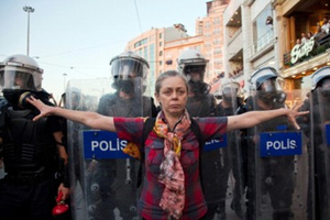 Αντιδράσεις από τις διώξεις εναντίον του Τύπου στη Τουρκία