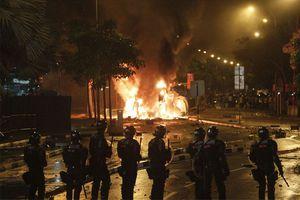 Νύχτα ταραχών στη Σιγκαπούρη