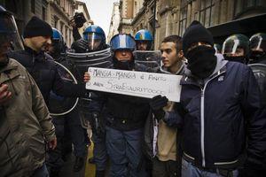 Αλληλεγγύη των Ιταλών αστυνομικών στις κινητοποιήσεις των πολιτών