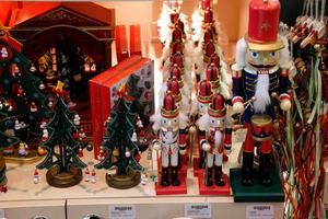 Μεγάλες αποκλίσεις στα χριστουγεννιάτικα είδη