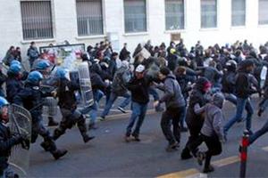 Επεισόδια στην Ιταλία από κινητοποίηση φοιτητών κατά της λιτότητας