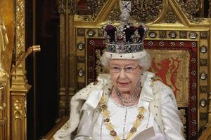 Βασιλική οργή για τα κλεμμένα... καρύδια