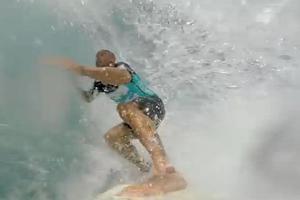 Δαμάζοντας τα κύματα με τον Kelly Slater