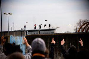 Σχέδιο απέλασης μεταναστών σε 30 μέρες επεξεργάζεται η Ιταλία