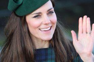 Μια δούκισσα στο «τιμόνι» της Huffington Post