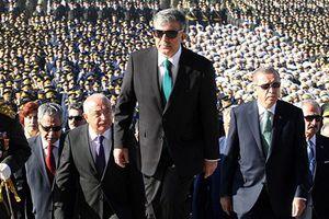 Συνεχίζονται οι παραιτήσεις στο κυβερνών κόμμα της Τουρκίας