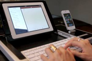 Η συσκευή που μετατρέπει το iPad σε κανονικό υπολογιστή