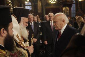 Ευχές για το νέο έτος στον Κάρολο Παπούλια