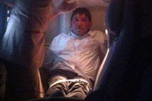 Έδεσαν επιβάτη που άναψε τσιγάρο εν ώρα πτήσης