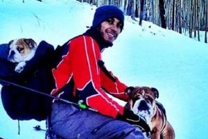 Σάλος από τις φωτογραφίες του Χάμιλτον στα χιόνια