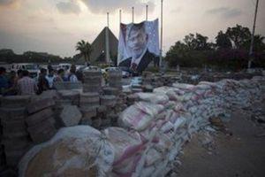 Τους 17 έφτασαν οι νεκροί από τις συγκρούσεις στην Αίγυπτο