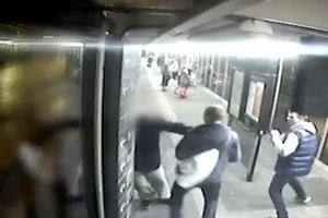 Σοκάρει η επίθεση νεαρών εναντίον κωφού 66χρονου