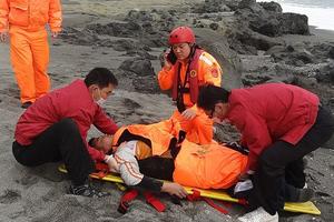 Επιβίωσε 60 ώρες στη θάλασσα χωρίς να ξέρει κολύμπι