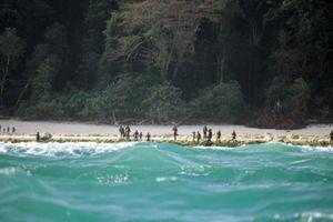 Ο άγνωστος κόσμος μιας φυλής στο νησί Sentinel