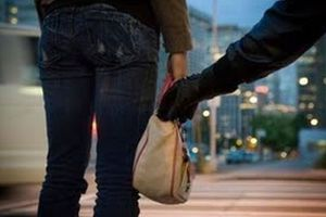 «Έξυπνη» τσάντα αποτρέπει την κλοπή της