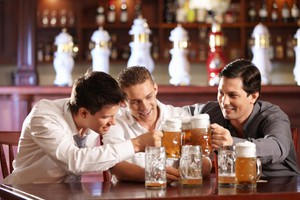 Τι συμβαίνει στον εγκέφαλο όταν καταναλώνουμε αλκοόλ