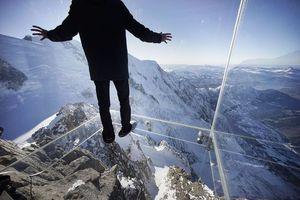 Ένα βήμα στο κενό σε ύψος 3.856 μέτρων!