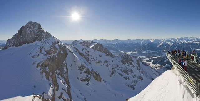 Θέα που κόβει την ανάσα! Πλατφόρμα παρατήρησης 3.251 μ. πάνω στις Άλπεις... μόνο για τολμηρούς!