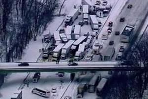 Σκηνές χάους σε καραμπόλα με σαράντα οχήματα στις ΗΠΑ
