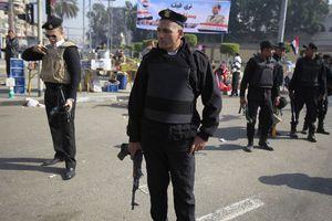 Μακελειό μετά από έφοδο αστυνομικών σε κρησφύγετο ισλαμιστών