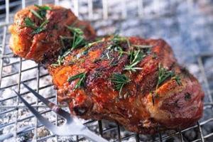 Τα μπαχαρικά προστατεύουν το ψημένο κρέας από καρκινογόνα