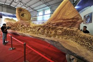 Το μεγαλύτερο ξύλινο γλυπτό