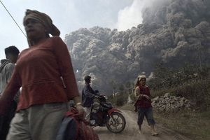 Φονική έκρηξη ηφαιστείου στην Ινδονησία