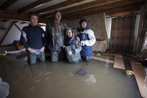 Οι Βρετανοί ζητούν οικονομική βοήθεια μετά τις καταστροφικές πλημμύρες