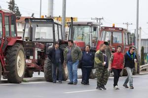Αυτοκινητοπομπή αγροτών στην εθνική Πατρών-Πύργου