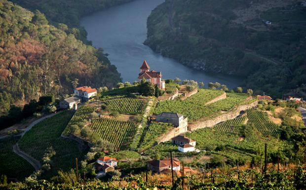 Μέρη για τους λάτρεις του οίνου! 10 κορυφαίοι προορισμοί για να πιεις κρασί