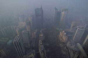 «Χάνεται» στο νέφος η Κίνα