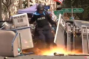 Χειροβομβίδα τινάζει στον αέρα το πόδι αστυνομικού