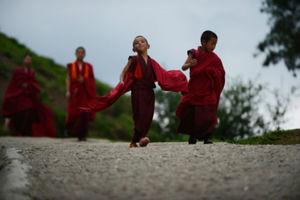 Οι πολίτες του Μπουτάν γίνονται πιο ευτυχισμένοι χρόνο με το χρόνο