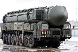 Το Κρεμλίνο επιβεβαιώνει την πώληση πυραύλων S-300 στην Τεχεράνη