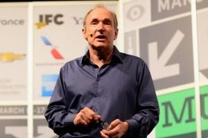Έκκληση για online δημοκρατία κάνει ο Sir Tim Berners-Lee