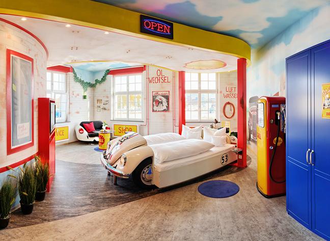 Mercedes newsbeast for Candyland bedroom ideas