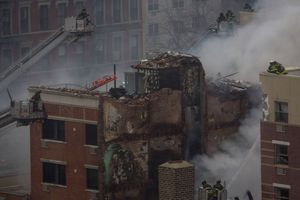 Φωτογραφίες μετά την κατάρρευση κτιρίων στο Χάρλεμ