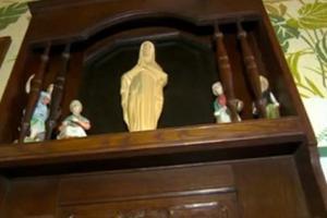 Μυστήριο με άγαλμα της Παναγιάς που λάμπει