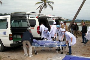 Η άμμος «ρούφηξε» πέντε έφηβους στο Βιετνάμ