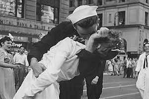 Πέθανε ο «ναύτης» του φιλιού στην Times Square