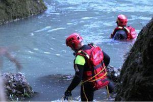 Πνίγηκε σε ποτάμι για να σώσει το σκυλάκι της