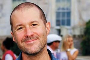 «Κλέφτες αυτοί που αντιγράφουν συσκευές της Apple»