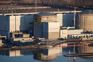 Ακτιβιστές της Greenpeace «κατέλαβαν» πυρηνικό σταθμό της Γαλλίας