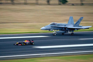 Formula 1 εναντίον μαχητικού τζετ!