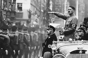 Σάλος με καθηγητή στη Λάρισα που υπερασπίστηκε τους Ναζί