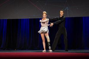 Χόρεψε ξανά η χορεύτρια που έχασε το πόδι της στον μαραθώνιο της Βοστώνης