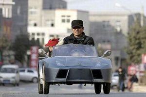 Ο παππούς που έφτιαξε μια… μίνι Lamborghini στον εγγονό του!