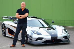 Στα άδυτα του καπό του Koenigsegg One:1